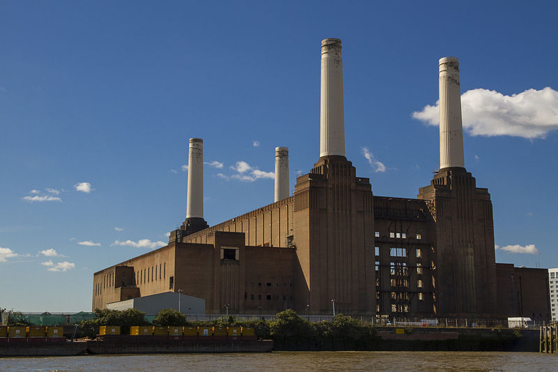 red brick battersea power station in daytime